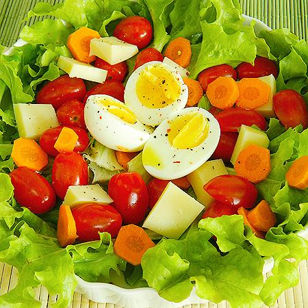 Salada com a cara do verão