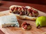 Sanduíche de Carne com molho de gorgonzola